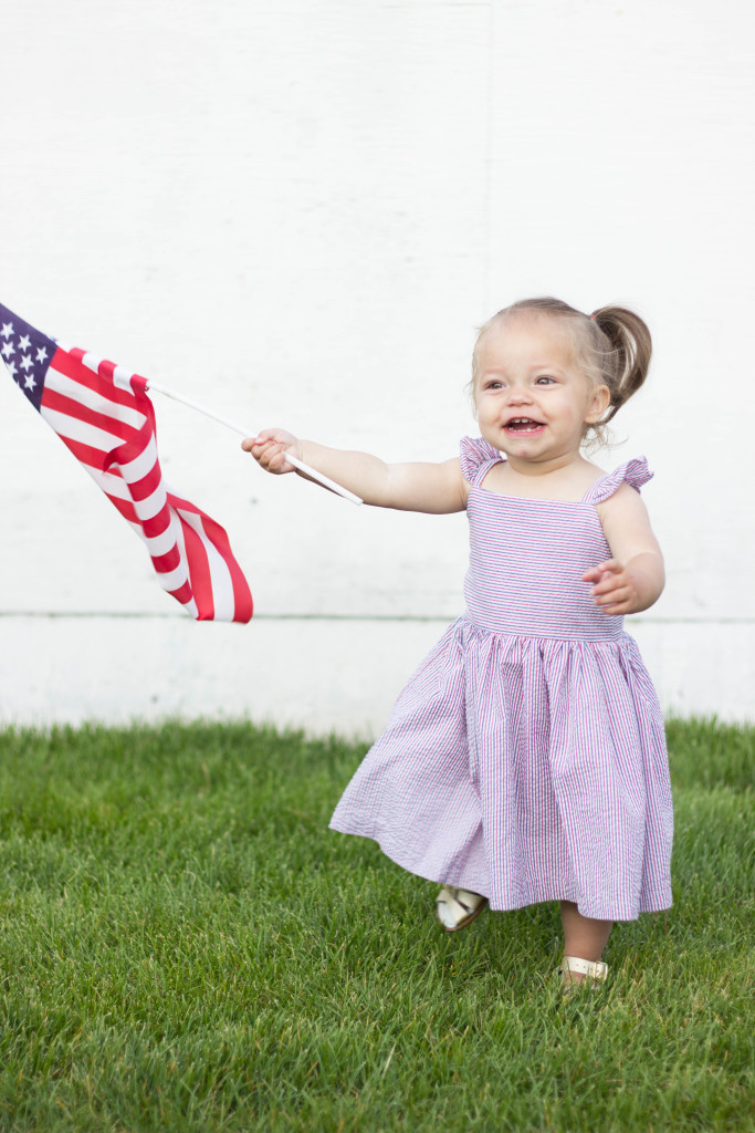 How to Choose Cute Fourth of July Outfits for Toddlers and Babies | Little darling in the cuteheads red and blue seersucker 'Piper' Dress