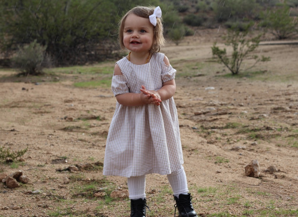 Desert Wandering with The Vintage Blonde in the cuteheads Cosette Cutout Dress