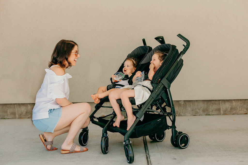 Maxi-Cosi Dana for 2 Stroller Review // The perfect double stroller for cool moms everywhere.