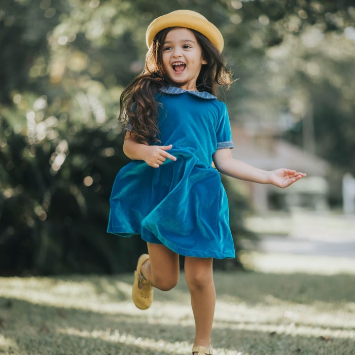 Girls blue velvet dress for Fall and Winter fashion. Only at cuteheads.com.