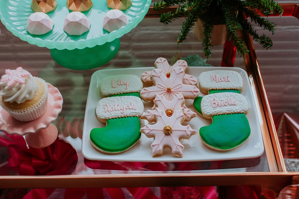 The cutest Christmas cookies -- see more at cuteheads.com